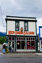 Picture-Red-Onion-Saloon